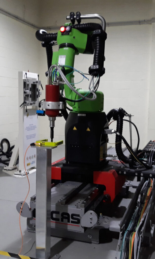 Automatised solution: S500 electric drilling machine mounted on robot.